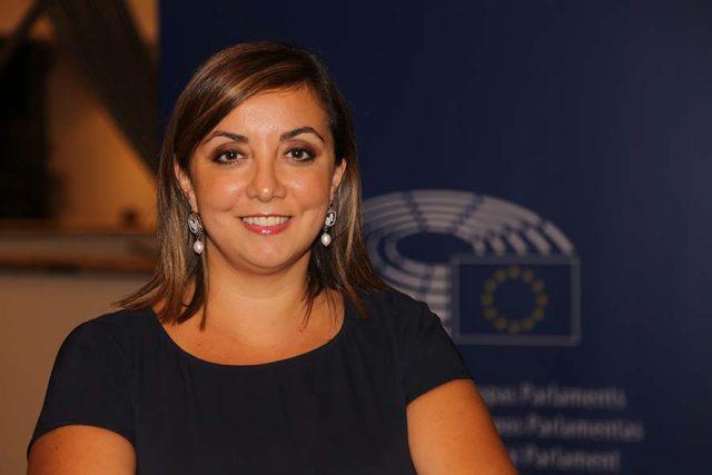 Adinolfi-Isabella-europa