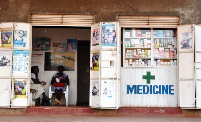 Africa-raccolta-farmaci