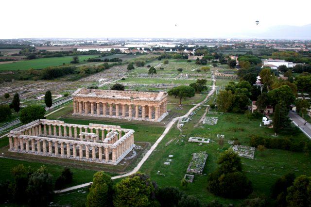 Area archeologica di Paestum.JPG