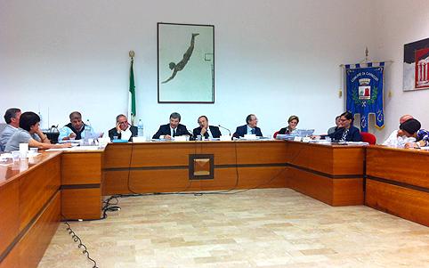 Capaccio-Paestum-Consiglio-comunale-SalaErica.
