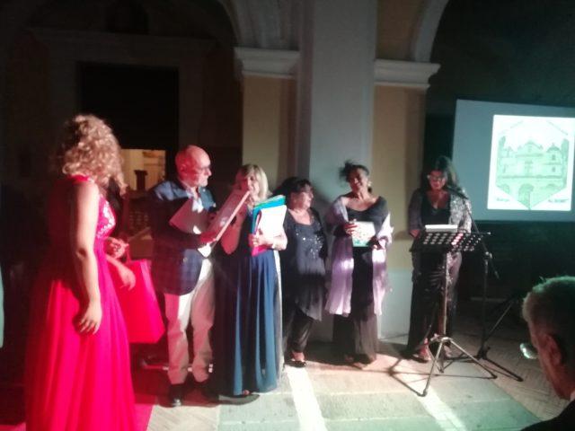 Carmela-Forlenza-Poesia Visiva-Premio Borgo Albori-premia-Zammardelli