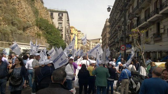 Centri riabilitazione-protesta