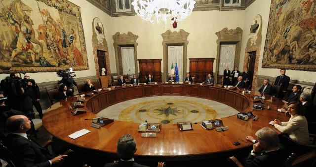 Consiglio-dei-Ministri-Governo-Monti.jpg