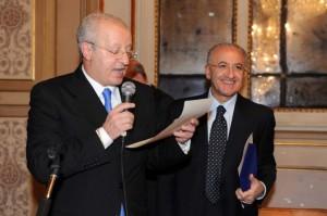 Giuseppe Ursini premia De Luca