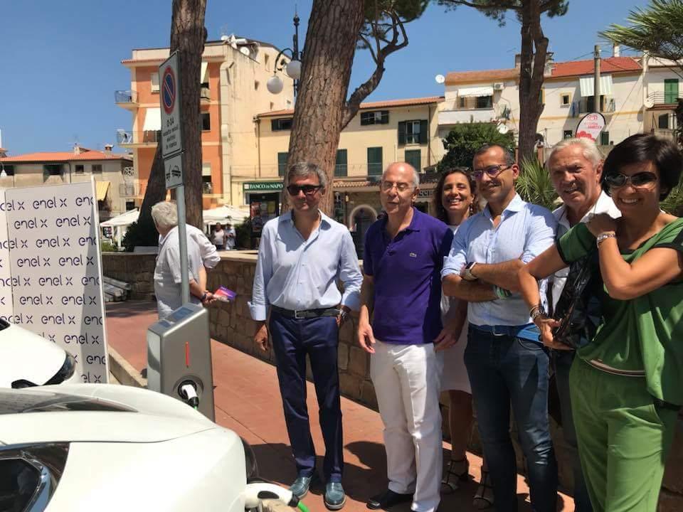 Convergenze SpA-Inaugurazione colonnina ricarica veicoli elettrici-Castellabate