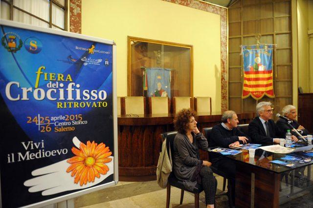 Fiera-crocefisso-2015-Natella-Napoli-Guerra.foto Massimo Pica
