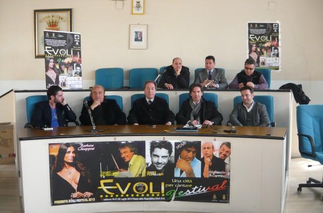 Gianni-Fiorellino-Salvatore-De-Pasquale-Cosimo-Cicia-Claudio-DEboli-Piergiorgio-Cesaro-in-alto-Migliacci-Liberato-Martucciello-Carlino-Evoli-Festival-2013