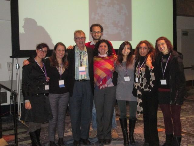 Giovanna Celia 2^- Ernest L. Rossi 3°- con alcuni giovani.JPG