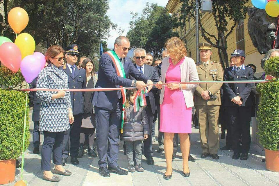 Eboli-piazza Luigi Pezzullo-inaugurazione-Massimo Cariello-Mary Pezzullo