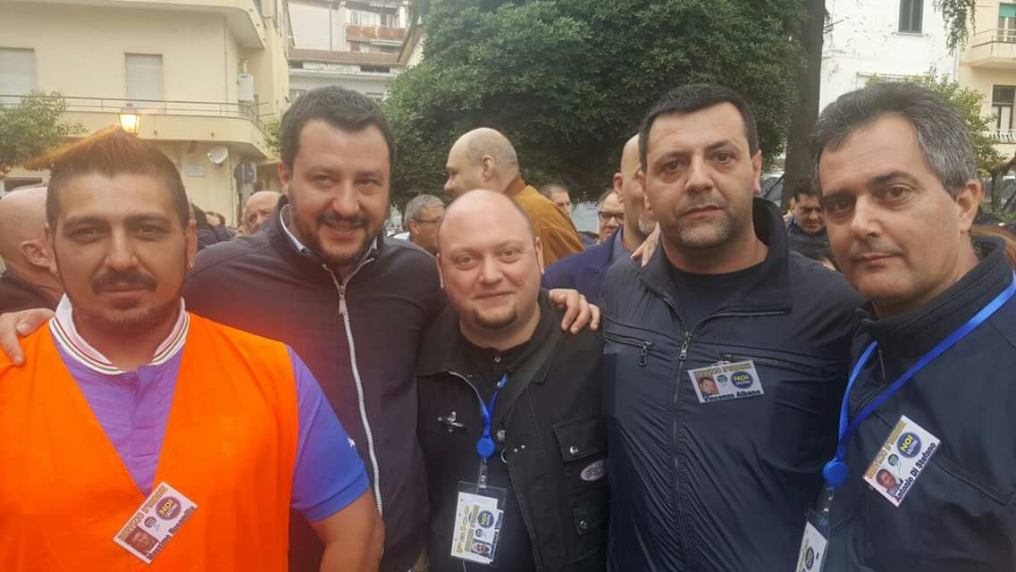 matteo Salvini con i leghisti ebolitani
