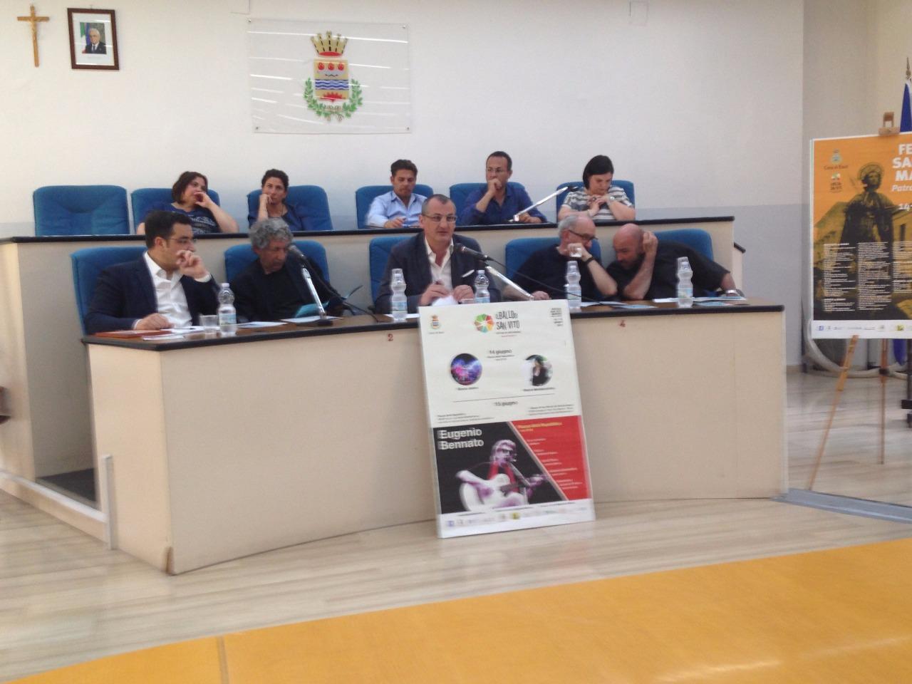 Festeggiamenti S Vito-Conferenza stampa cn Cariello e Eugenio Bennato