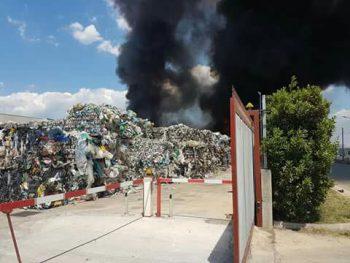 Battipaglia-fiamme alla Sele Ambiente