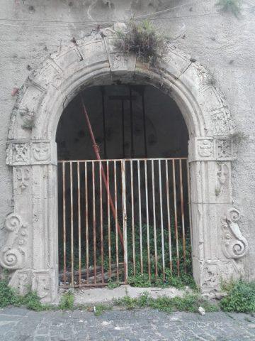 Eboli-Portale-Palazzo-Paladino-La-Francesca
