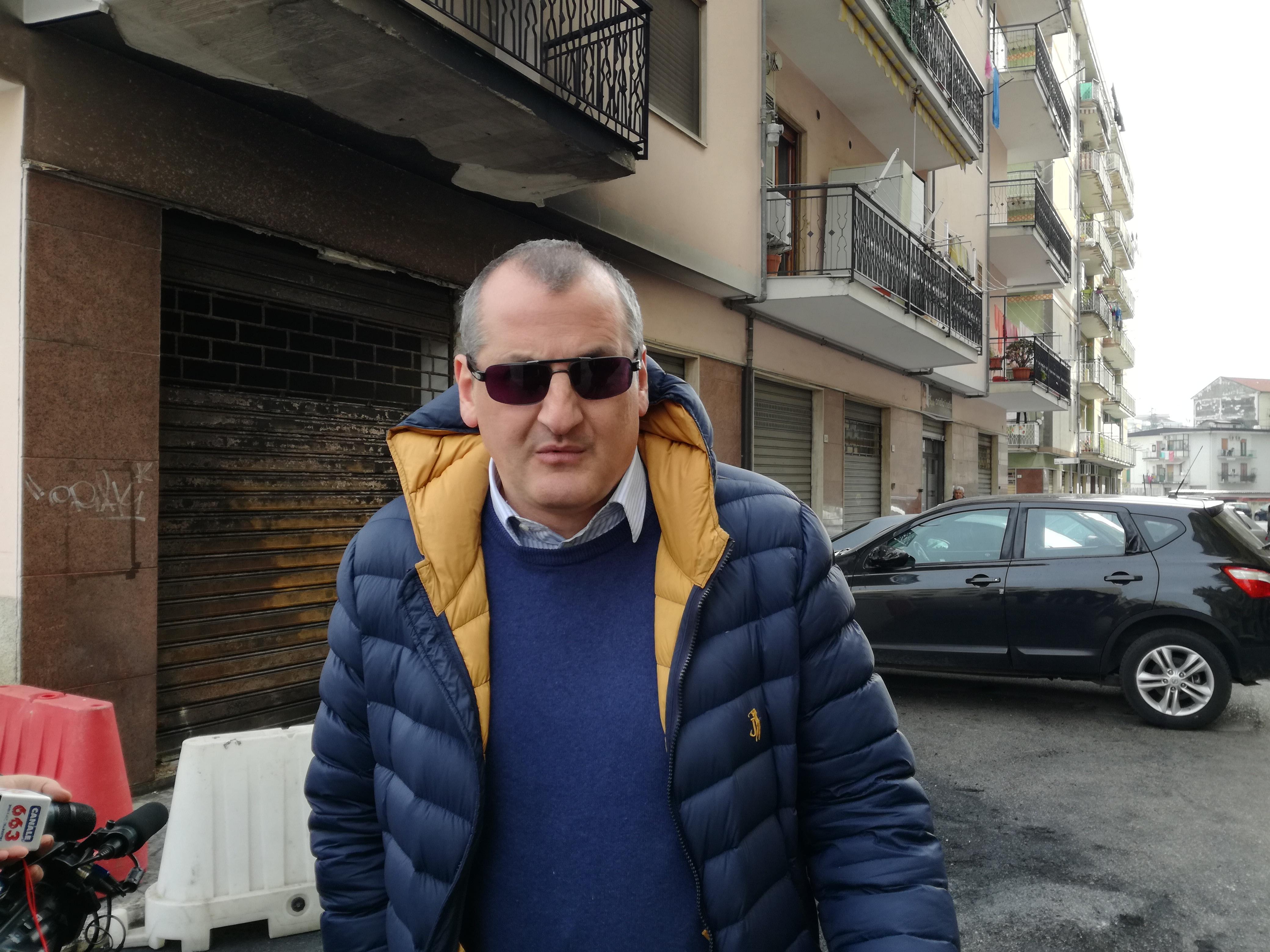 Massimo Cariello-sul uogo dell'incendio
