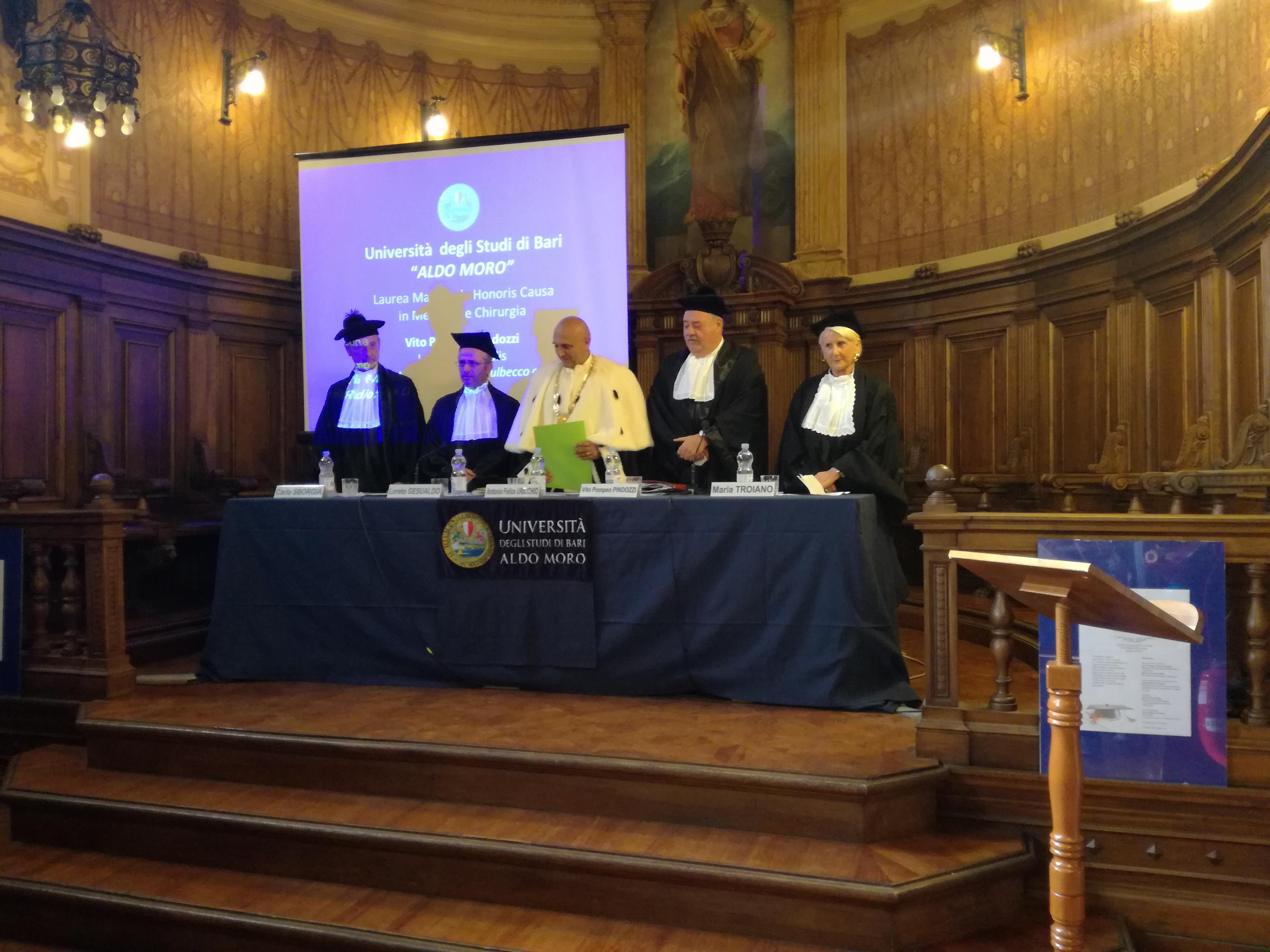 Vito-Pompeo-Pindozzi-Conferimento-Laurea-Honoris-causa-Bari