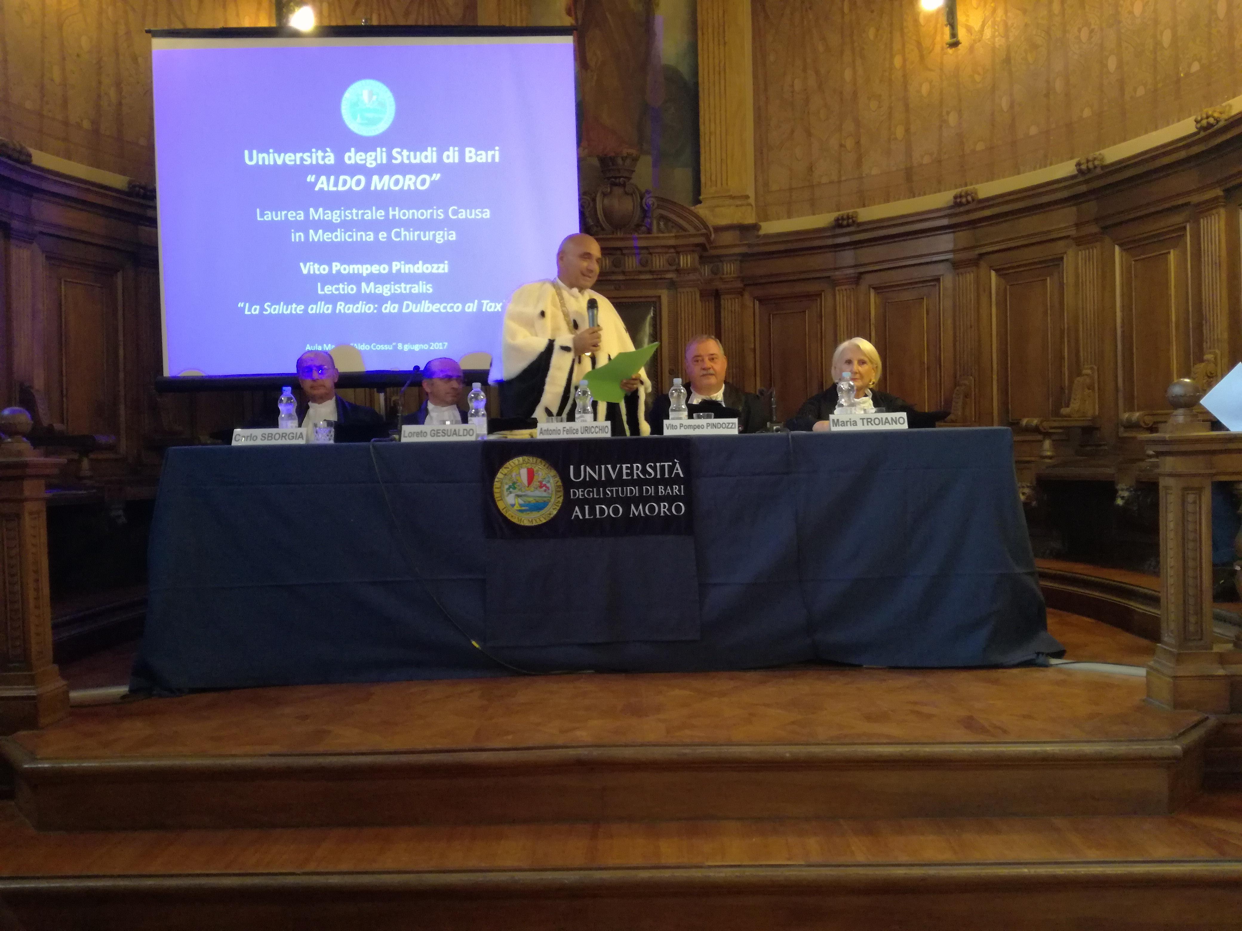 Vito-Pompeo-Pindozzi-Conferimento-Laurea-Honoris-causa-Bari-1
