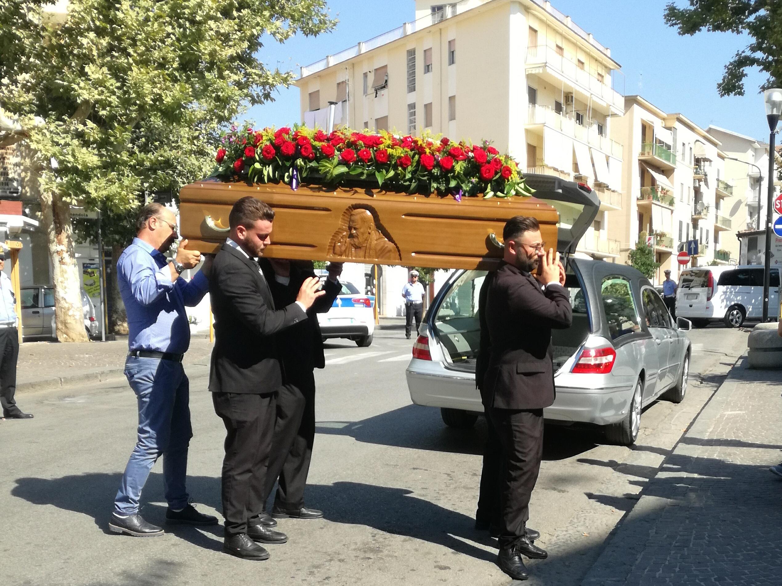 Funerale Mario Vignola