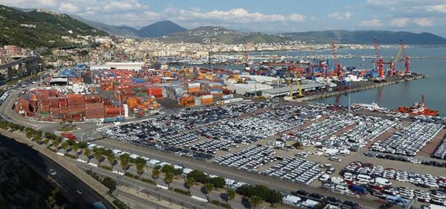Porto di Salerno-agitazione FAI