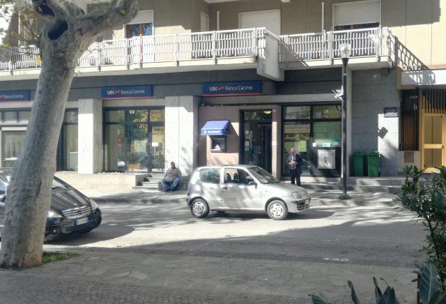Eboli-Picchettaggio Bankomat-Viale Amendola