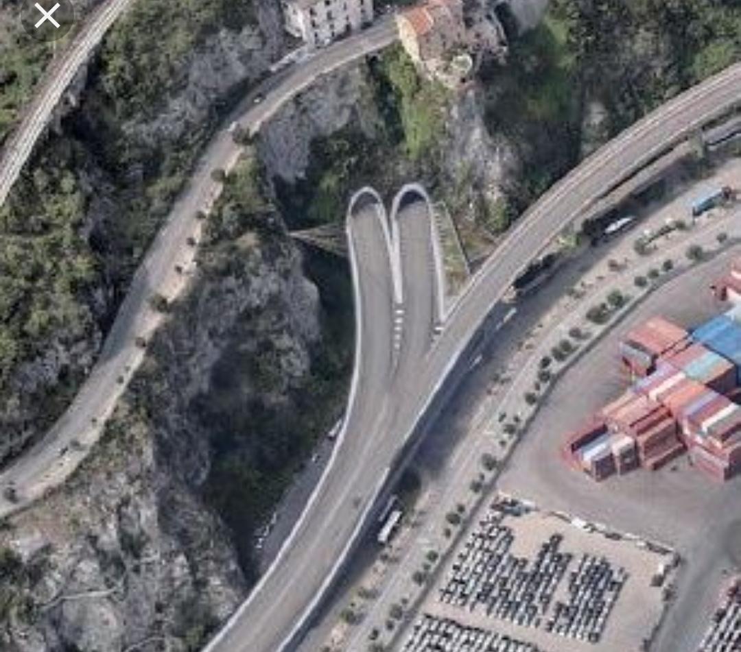 Cantiere Porta Ovest Salerno