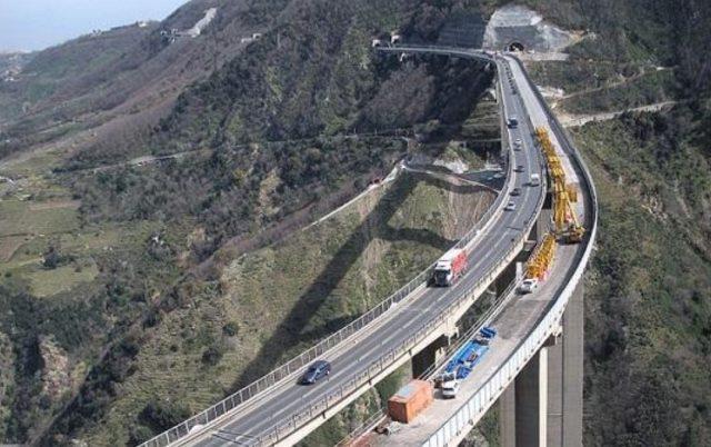Autostrada_Viadotto_Sa-Rc