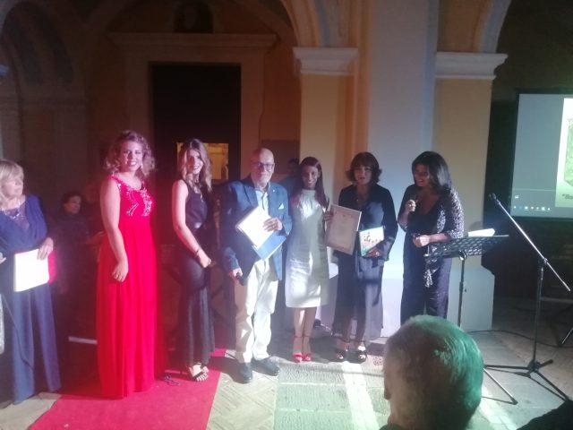 Licia-Ciaquinto-premia-Claudia-Ricci.