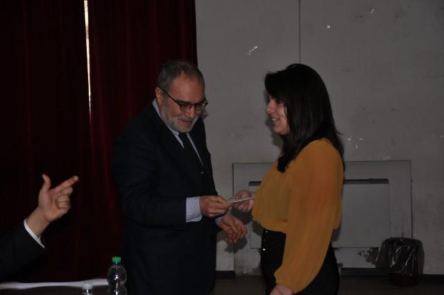 Paolo Cirillo-premia-Emanuela Quaranta-prima classificata