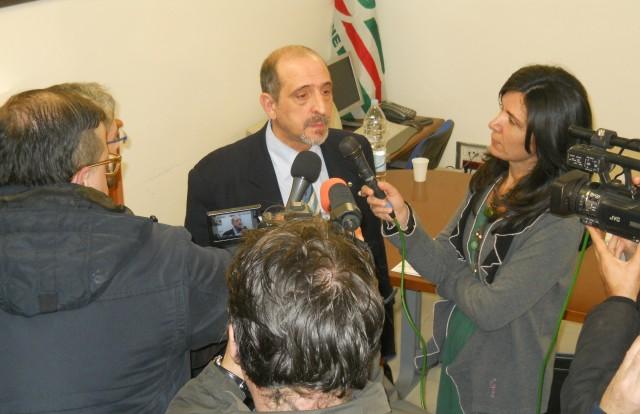 Pietro-Antonacchio--con-i-giornalisti