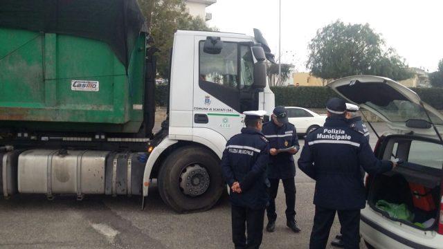 Polizia Locale Camion rifiuti