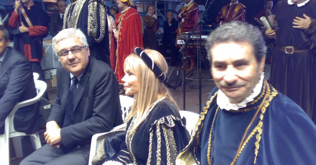 "Sindaco Melchionda -La ""Principessa"" Maria Giovanna Elmi- Presidente Elaion Robero il Guiscardo"