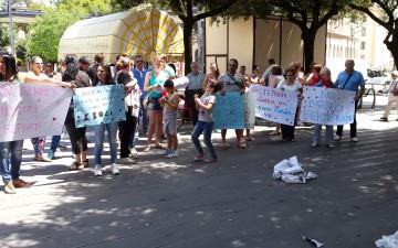 Protesta-Ospedale-esposizione-cartelli.