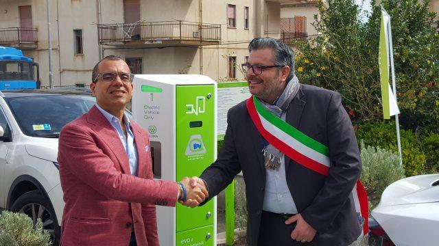 Rosario Pingaro e il sindaco Adamo Coppola