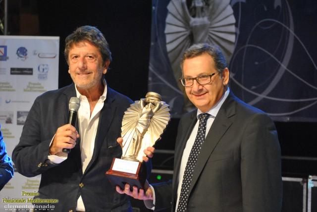 Salerno-Premio Nazionale Mediterraneo ad Antonio Manzo