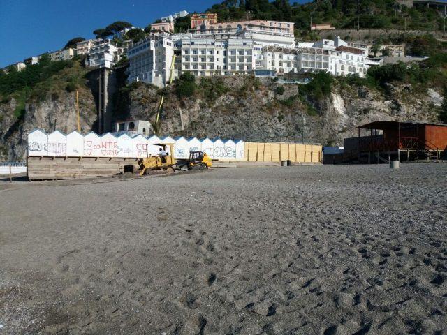 Salerno-Pulizia Spiagge cittadine 3