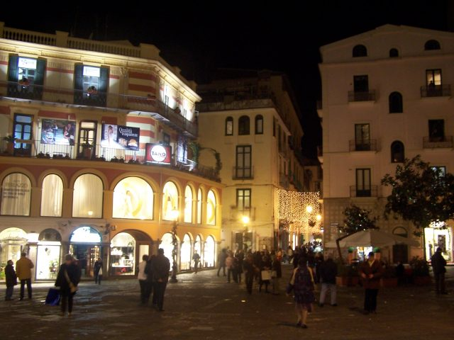 Salerno_Piazza-Portanova