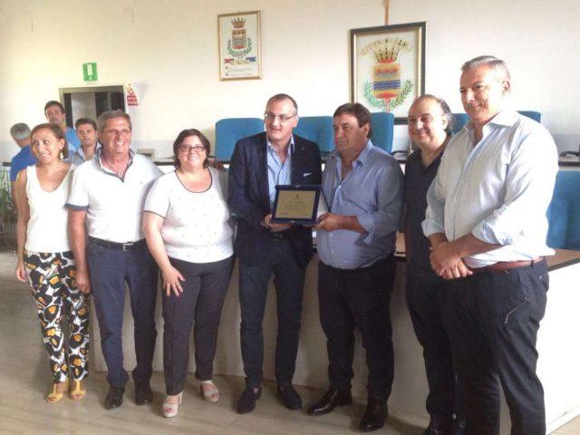 Sindaco di Eboli Cariello consegna riconoscimento a Santino Bellina-Pioniere IV Gamma