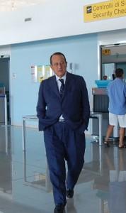 Strianese nella hall aereoporto salerno