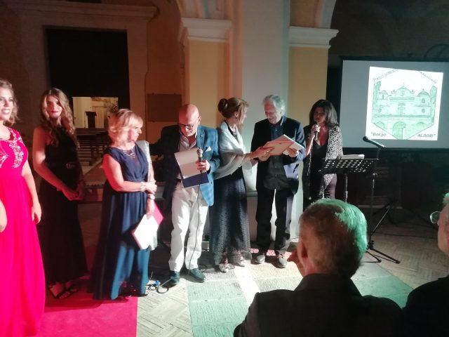 Vito-Bruschini-premia-Contaldi-Premio Borgo Albori 2019