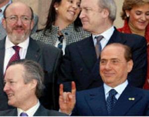 Berlusconi e le corna