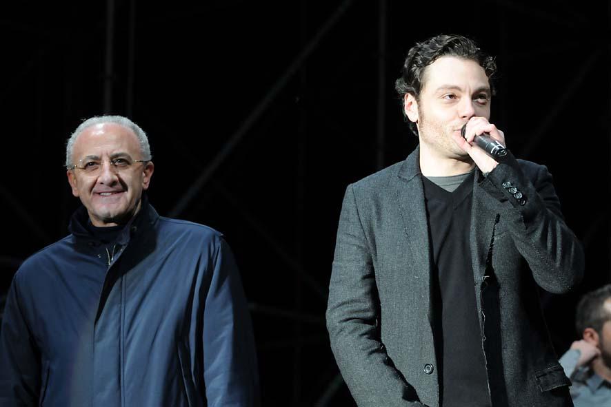 concerto fine anno-07- De Luca e Tiziano Ferro