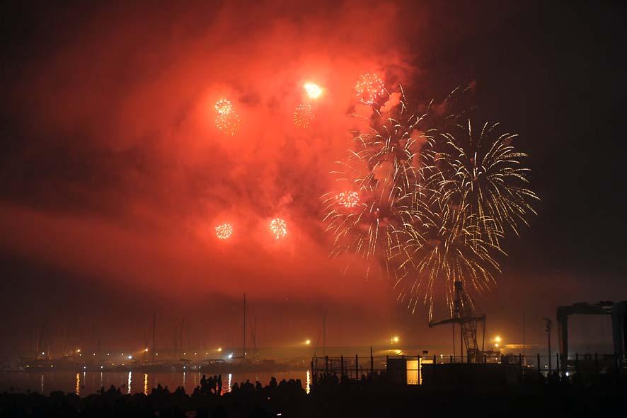 Fuochi d'artificio a mare concerto fine anno-41