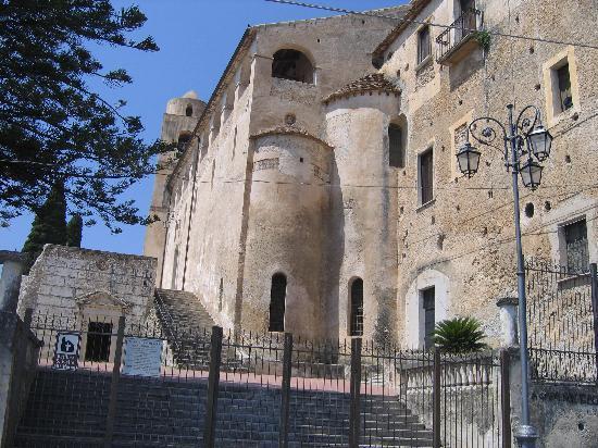 Basilica di S. Pietro alli Marmi di Eboli
