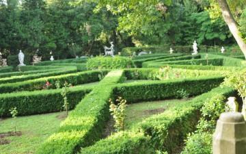 giardinoallItalianafiorito-Villa-Ayala-Valva