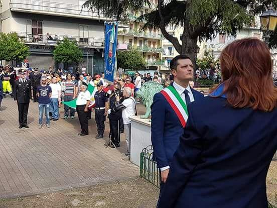 Festa Repubblica-tozzi-depone corona-battipaglia2