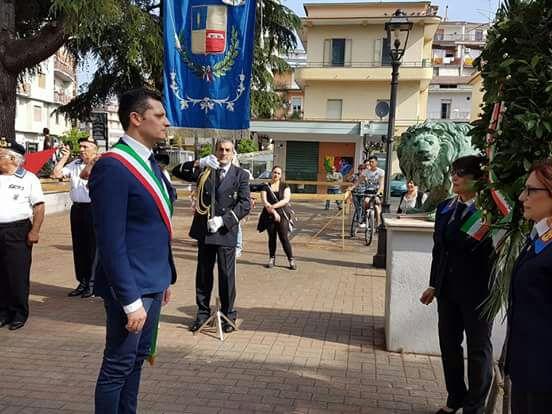 Festa Repubblica-tozzi-depone corona-battipaglia1